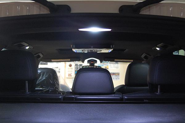 ポルシェ・カイエン 内装LEDライト