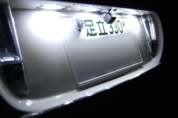 ベントレー・フライングスパー LEDナンバー灯(ライセンス灯)