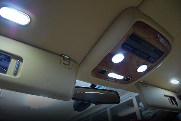 ベントレー・コンチネンタルGTC LEDナンバー灯(ライセンス灯)