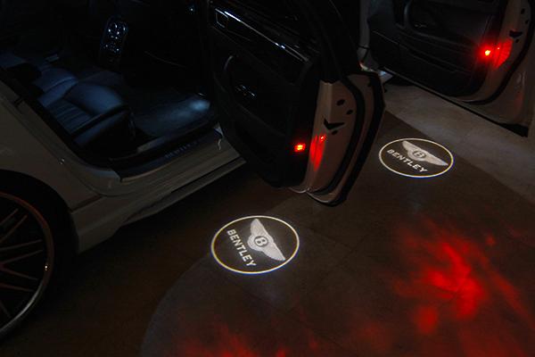 ベントレー アンダースポット カーテシ ロゴ ライト
