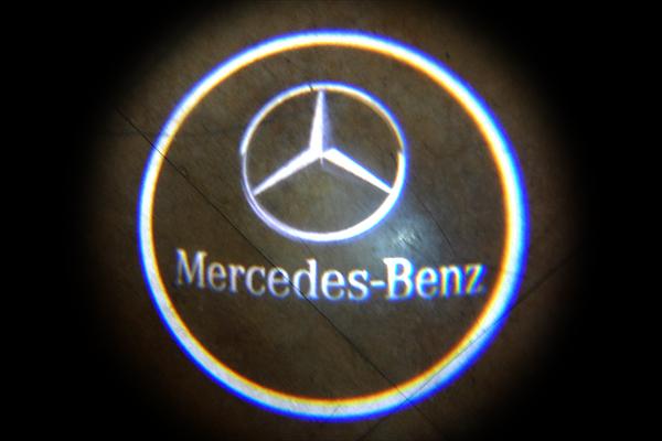 ベンツ W222 アンダースポット ロゴ ライト カーテシ